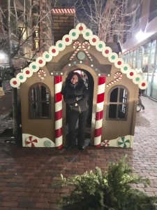 gingerbread-house-christmas-market